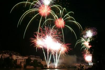 Herrliches Feuerwerk über Basel