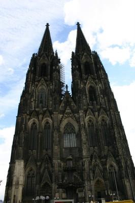 Kölner Dom von der Domplatte