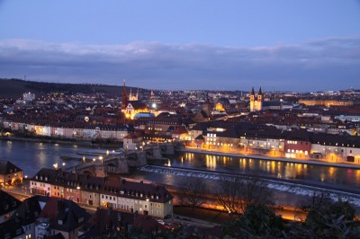 Blick von der Festung auf Alte Mainbrücke und Altstadt