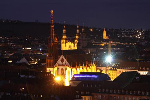 Würzburger Marienkapelle bei Nacht