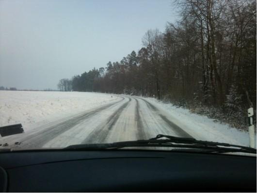 Verschneite Straßen rings um Fronrot