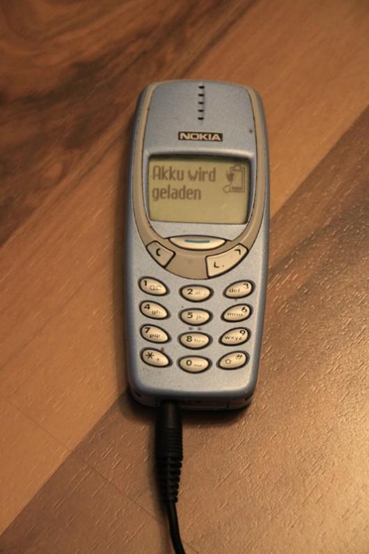 Nicht totzukriegen. Mein allererstes Handy!