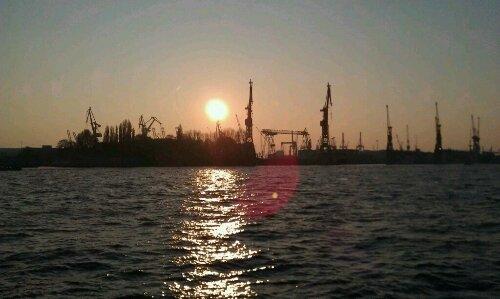 Im Hafen der Weltstadt