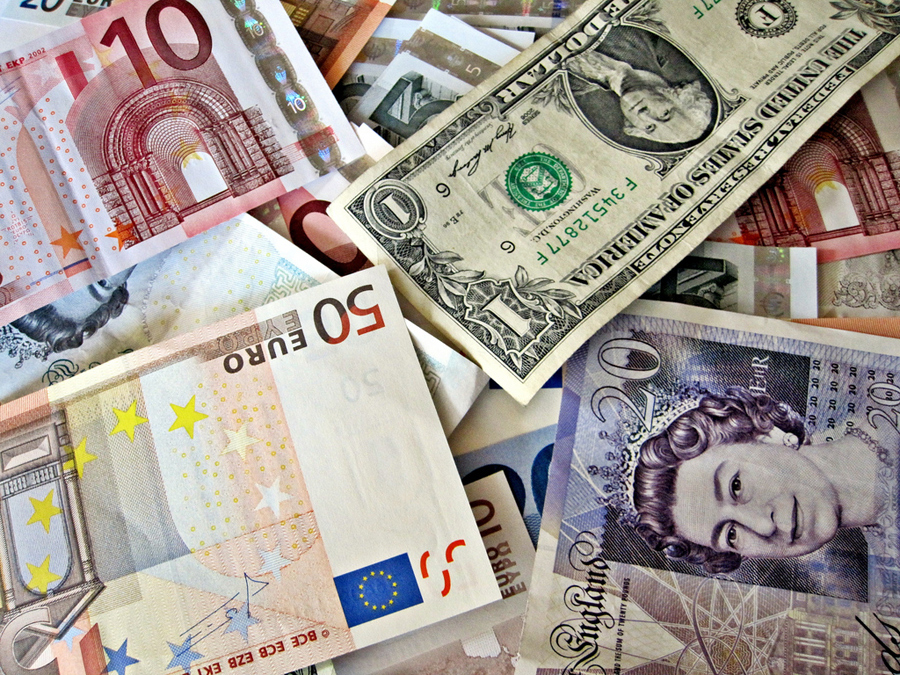Euro, Dollar, Pfund, Dinar, Lire.... (© flickr / Images_of_Money)