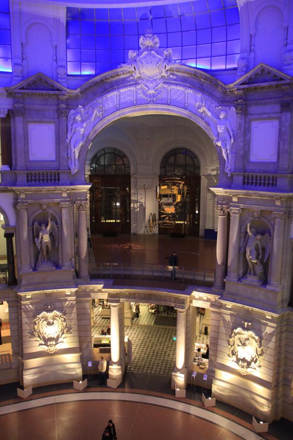 Im Foyer des Museum für Kommunikation.