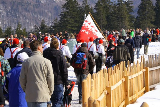Rund 28.000 Menschen (neuer Stadionrekord) pilgerten in die Arena.