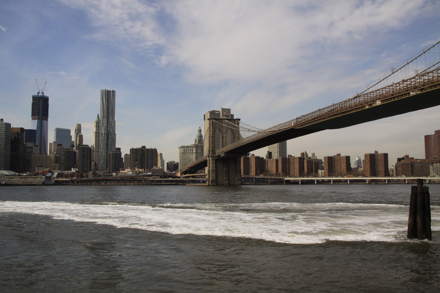 Über die Brooklyn Bridge gings heute zu Fuß nach Manhattan rein...