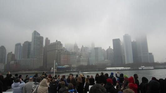 Auf der Fahrt rüber zu Liberty Island mit Blick auf die Skyline.