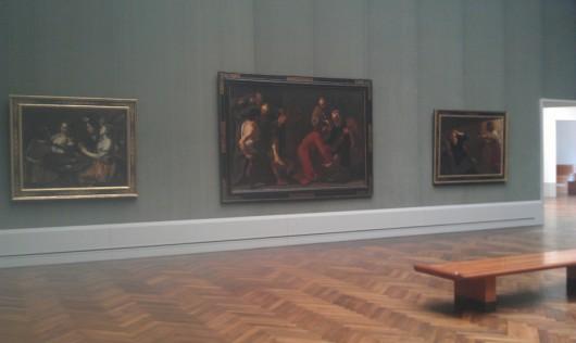 In der fast menschenleeren Gemäldegalerie.