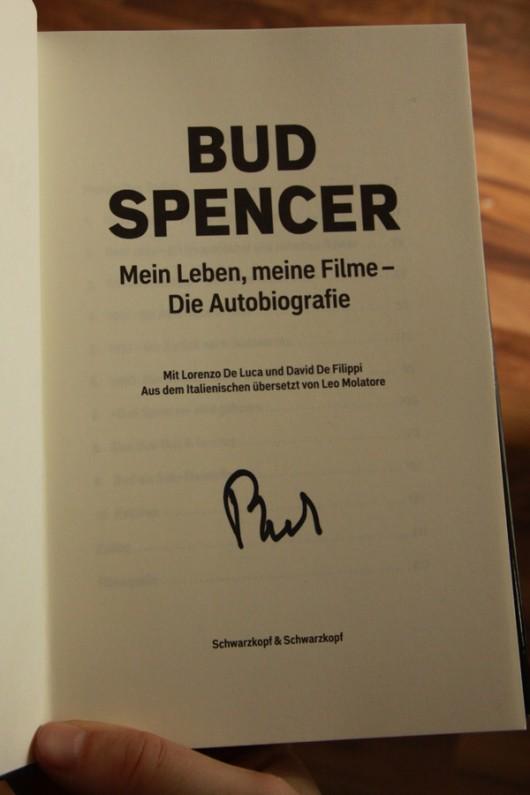 Mein Buch mit Unterschrift. :-)