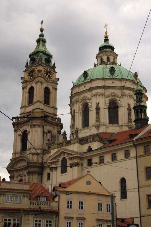 St. Nikolaus-Kirche im Stadtviertel unterhalb der Prager Burg.