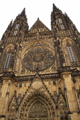 Der Veitsdom in der Prager Burg.