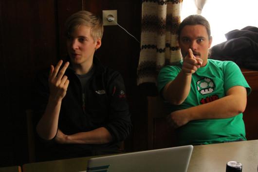 Nils und Hannes - gebannte Blicke in der Session.