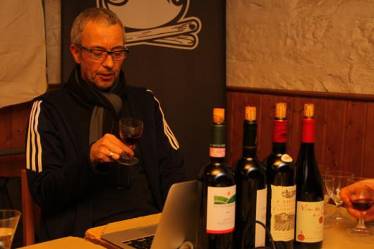 Dirk bei der Vorstellung seiner Weine.