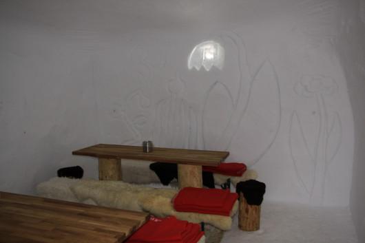 Weitere Gemeinschaftsräume im Eishotel auf der Zugspitze.