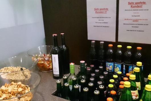 Die Getränke- und Snackauswahl.