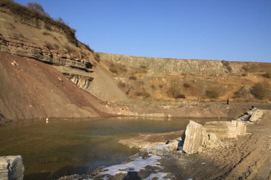 Kraterlandschaft im Vellberger Gipsbruch.