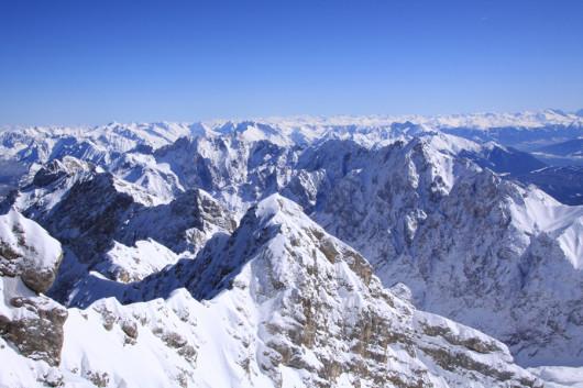 Ausblick von der Zugspitze Richtung Süden.