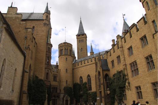 Burginnenhof der Burg Hohenzollern.