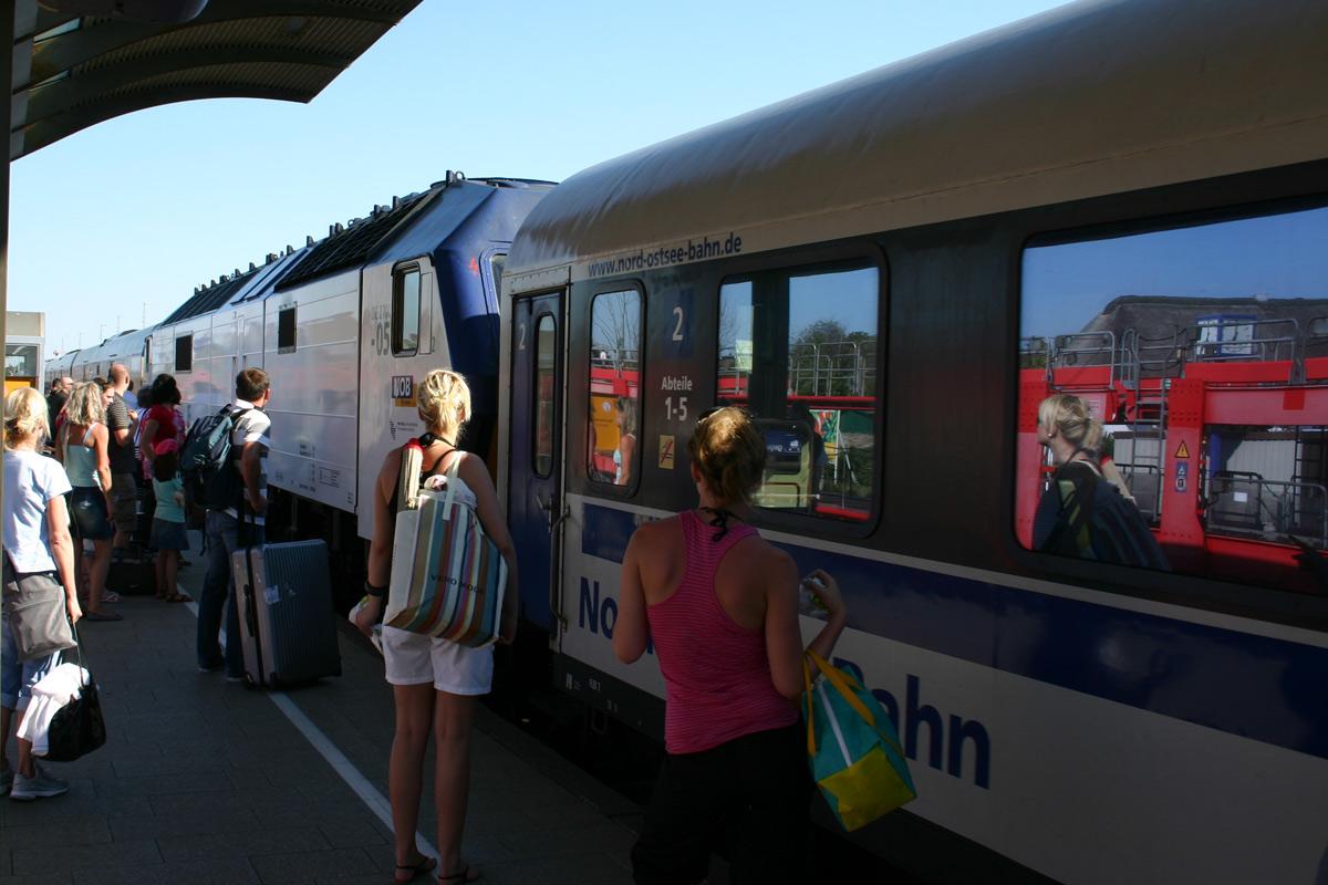 Umtriebiger Bahnhofsbetrieb auf Sylt.