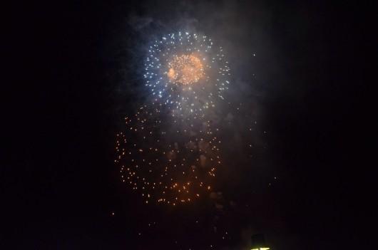 Rund 35 Minuten dauerte das städtische Feuerwerk (Fotocredit: Niels Rohrweber)