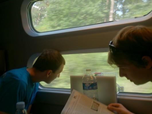 Im TGV Lyria auf dem Weg in die Schweiz.