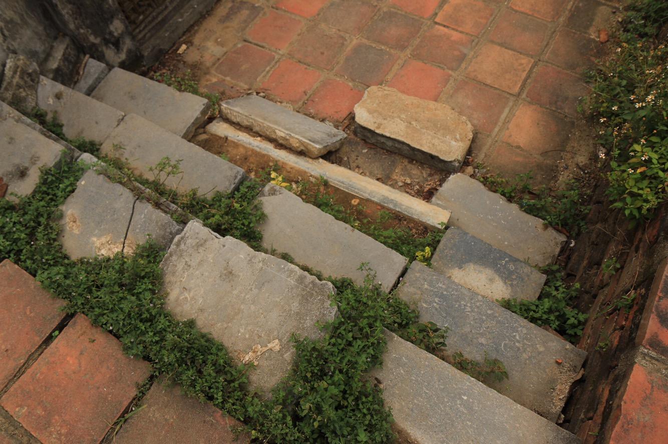 Es sind nämlich bei weitem nicht alle Stufen gleich hoch. Und manchmal fehlt auch eine komplett!