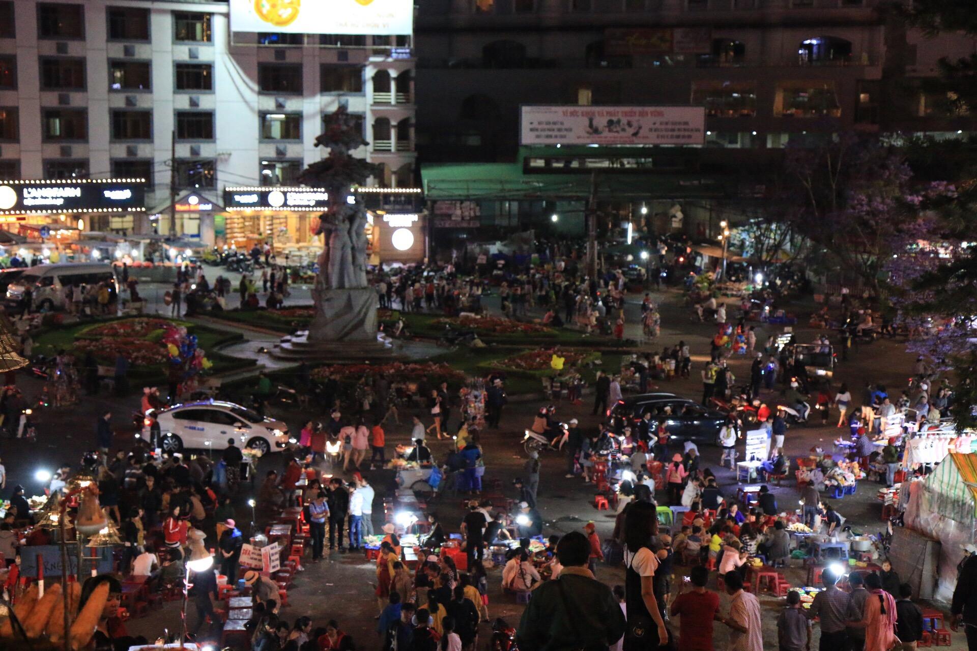 Der Nightmarket in Dalat findet glaub jeden Abend statt.