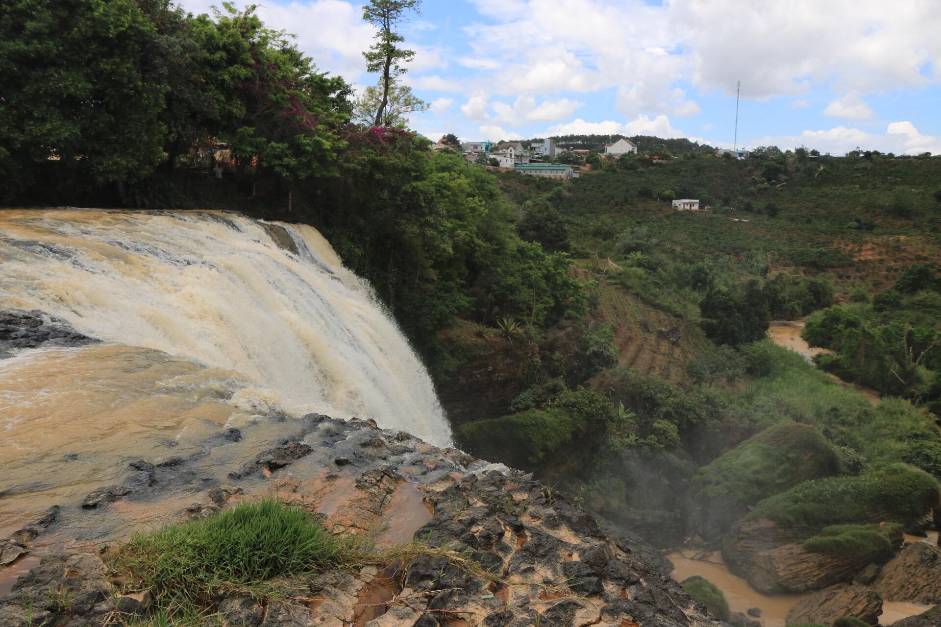 Angekommen an den Elefant-Wasserfällen.