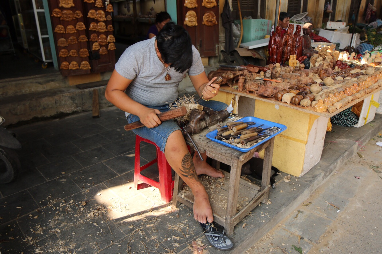 An jeder Straßenecke wurden kleine Kunstwerke gefertigt.