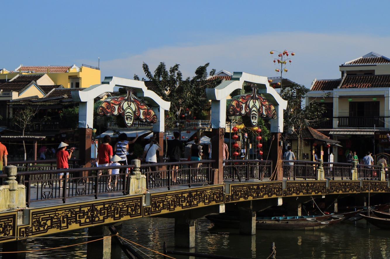 Die Brücke, die die Altstadt und das chinesische Viertel miteinander verbindet.