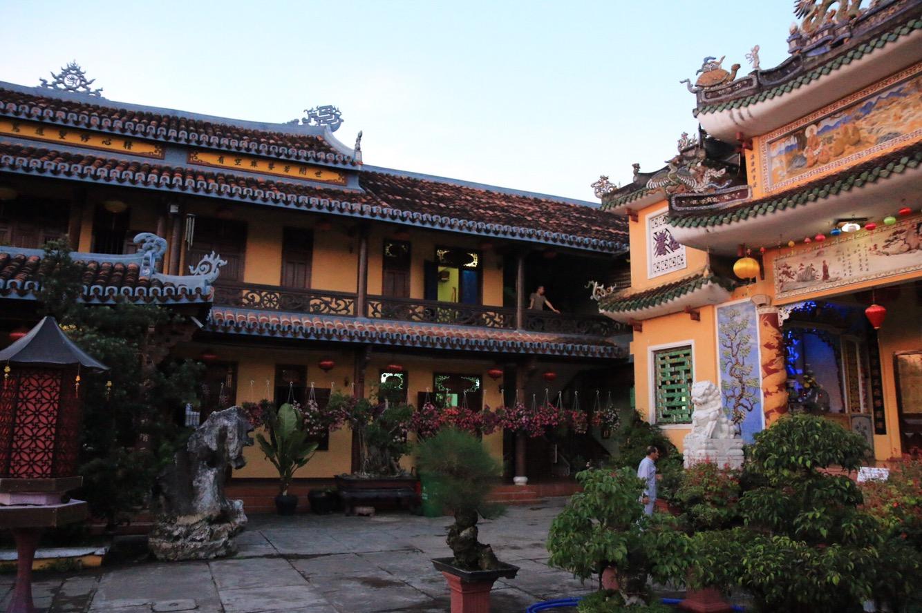 Ein besonders schöner Innenhof einer Tempelanlage.