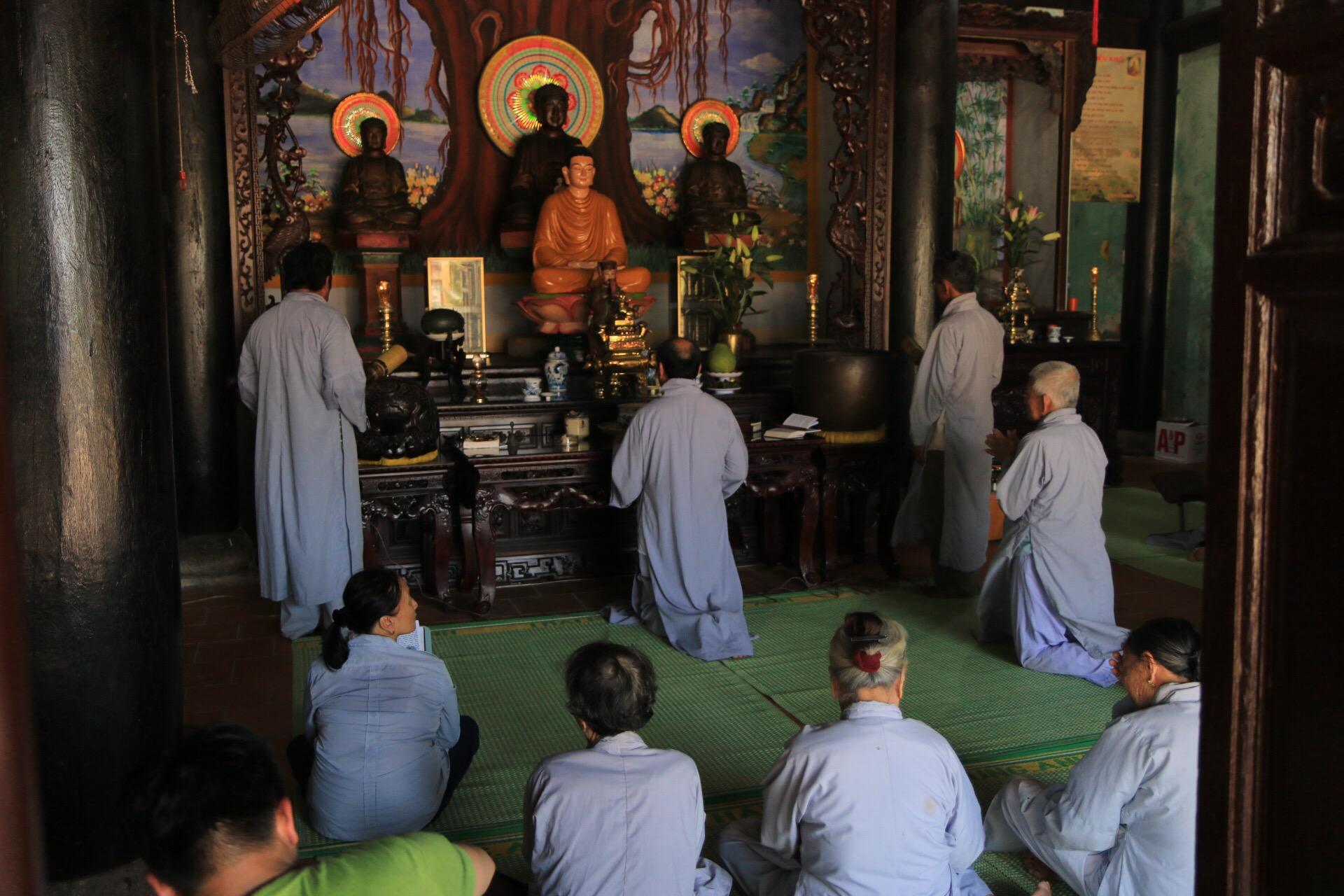 Im Tempel fand gerade eine Art Gottesdienst statt, Gesänge dazu könnt ihr im Video hören.