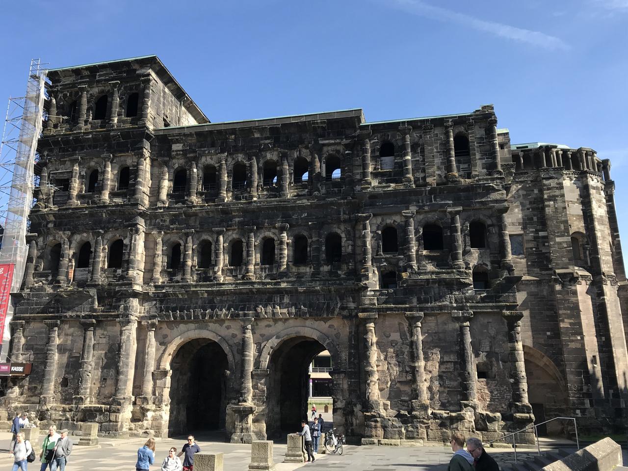 Dieser Abstecher darf in Trier natürlich nicht fehlen. Die Porta Nigra.