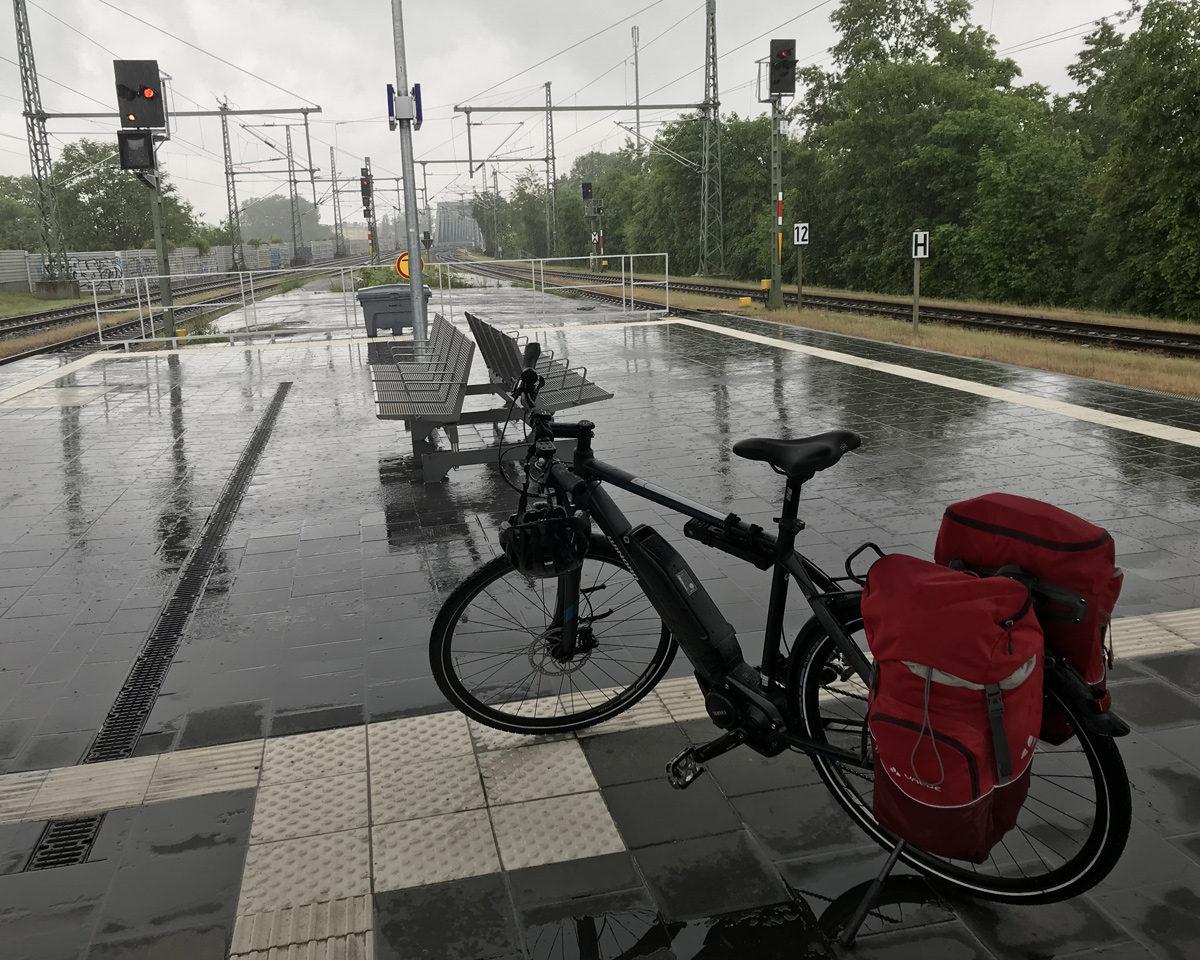 Eigentlich bereit für die Heimfahrt am Bahnhof in Kehl.