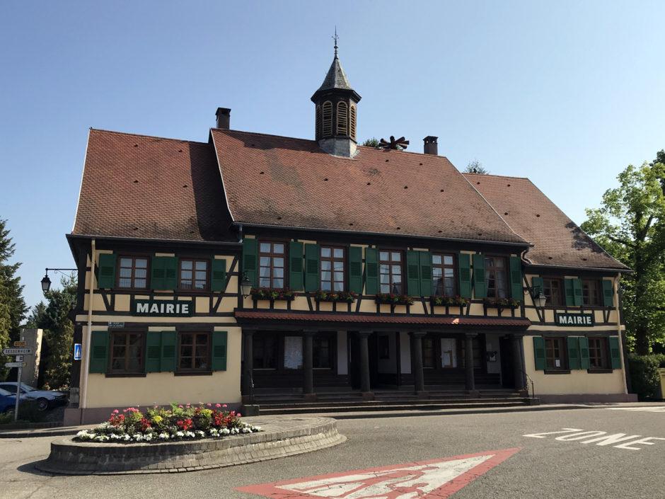 Ein Bürgermeisteramt im Elsass.