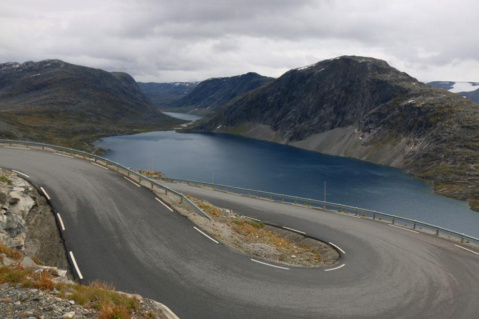 Der Djupvatnet-See, aber hier auf 1000 Meter war für mich immer noch nicht der Gipfel erreicht.