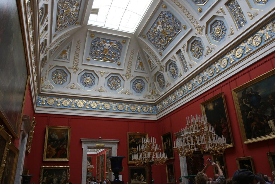 Aber nicht nur Statuen konnte man bestaunen. Auch hunderte Gemälde sind in der Eremitage ausgestellt.