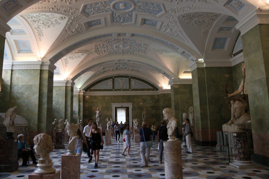 Im ersten Stock findet man noch einen riesengroßen römischen und griechischen Ausstellungsbereich.