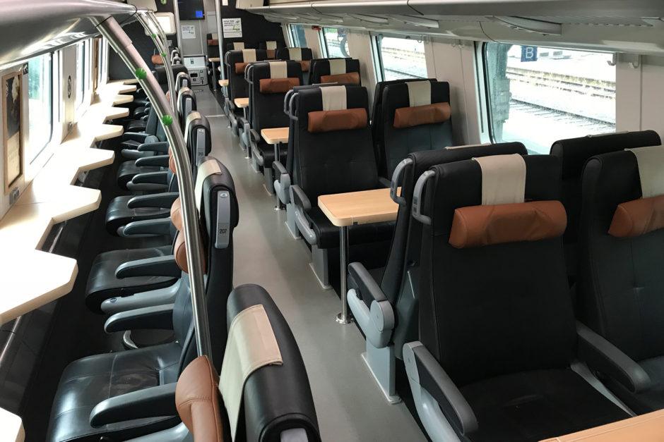Kleiner Einschub: so sieht die Extra-Klasse im InterCity aus. Die Sitze findet man über dem Restaurant.
