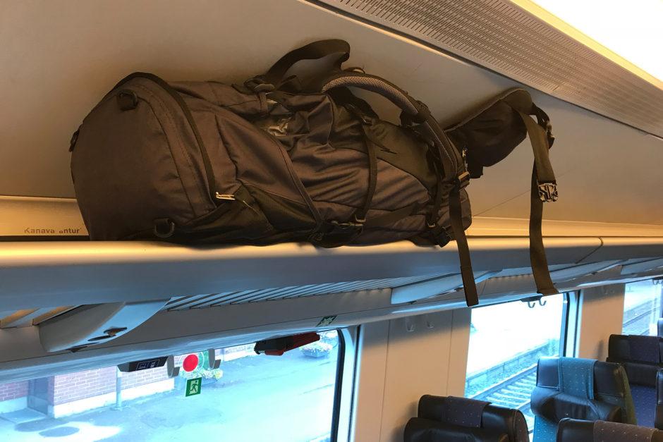 Die Gepäckablage war gerade noch so brauchbar für meinen großen Rucksack.