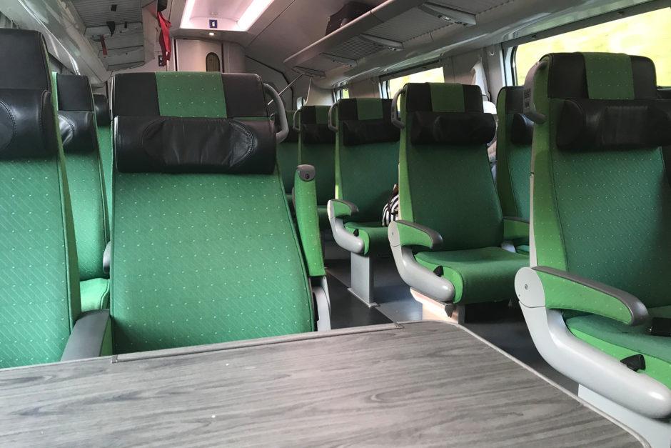 Wer in Finnland Eisenbahn fährt, der muss grün mögen.