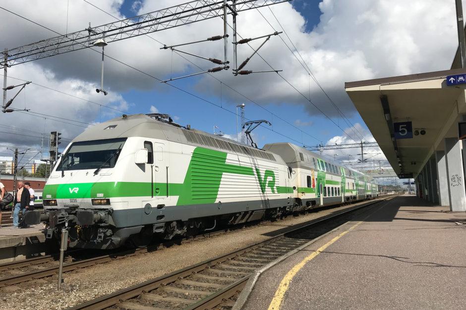 Außen grün. Innen grün. Wer in Finnland Zug fährt, der sollte mit der Farbe grün gut auskommen.