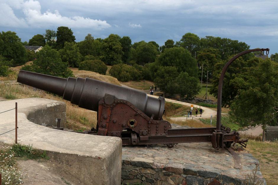 Eine der 105 Kanonen.