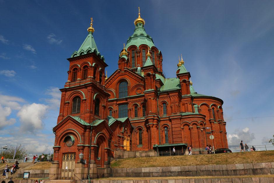 Die Orthodoxe Kirche in Helsinki. Ein klein wenig höher als die Evangelische Weiße Kathedrale.