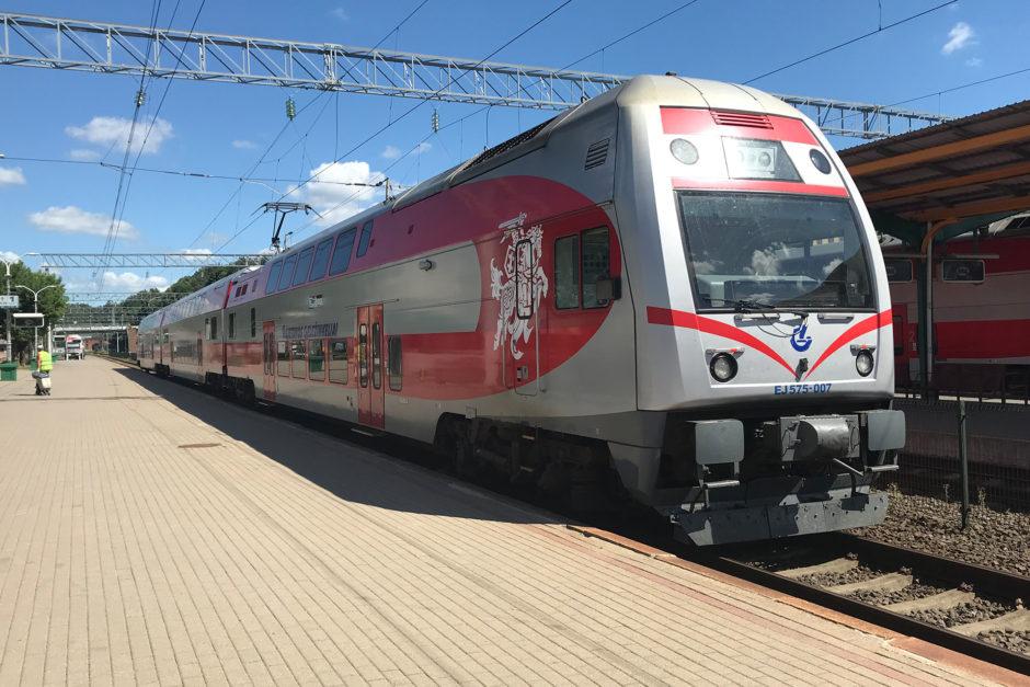 Unser Doppelstockzug der Litauischen Bahn auf Russischer Breitspur.