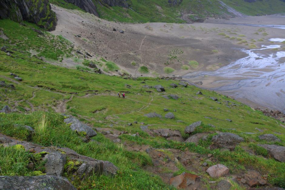 So sah der der Abstieg zum Strand runter aus.