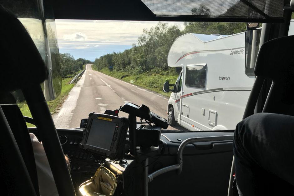 Und wieder einmal war unserem Busfahrer ein Wohnmobil zu langsam...