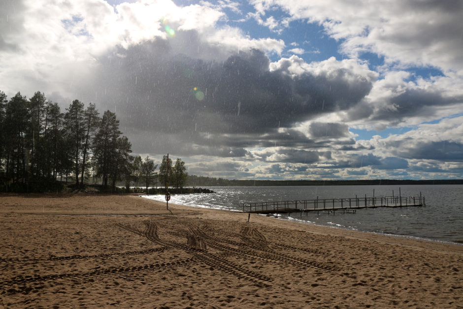 Ein Regenschauer vertrieb mich letztlich vom Strand. Danach gehörte er wieder ganz den Möwen.