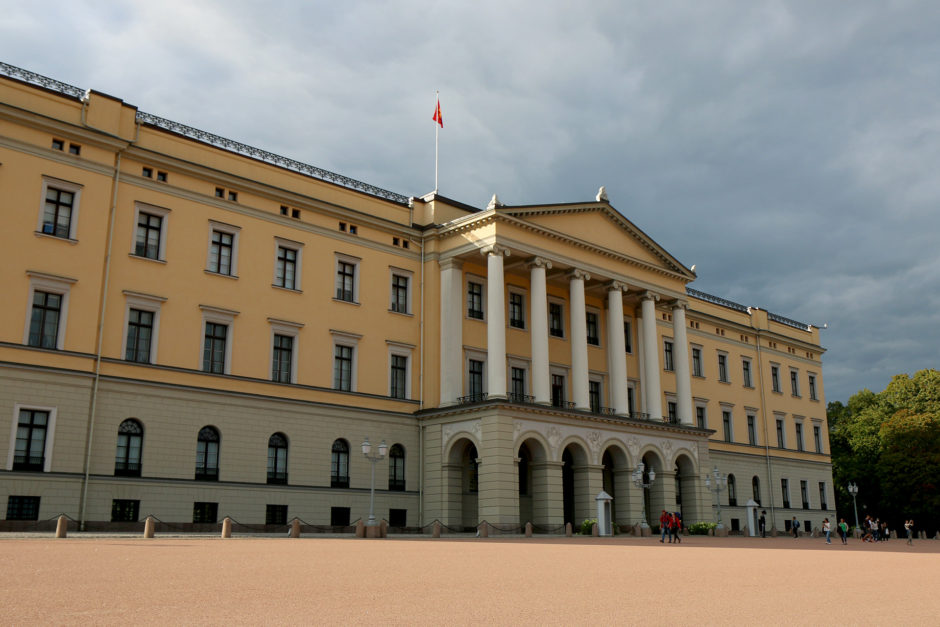 Das Schloss von Oslo. Wenn man zuvor in St. Petersburg war, dann findet man es nicht besonders prunkvoll.